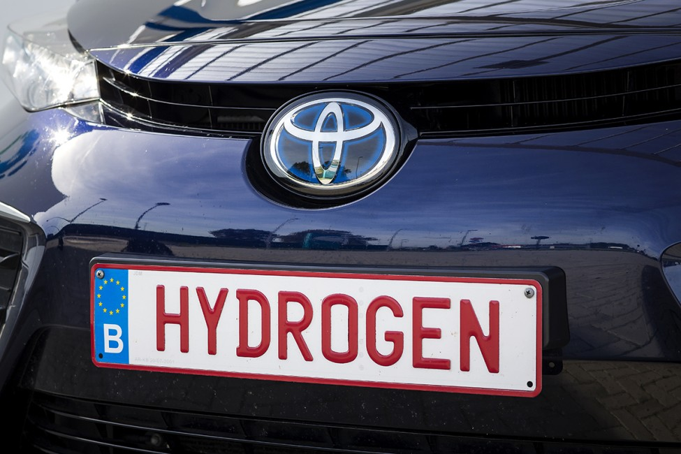 Fuel Cells Works, Toyota to Launch Hydrogen-Powered Prius and Corolla in 2023