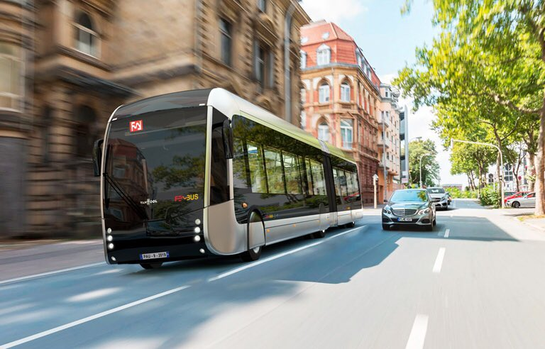 FEBUS Hydrogen Bus in PAU 1 3