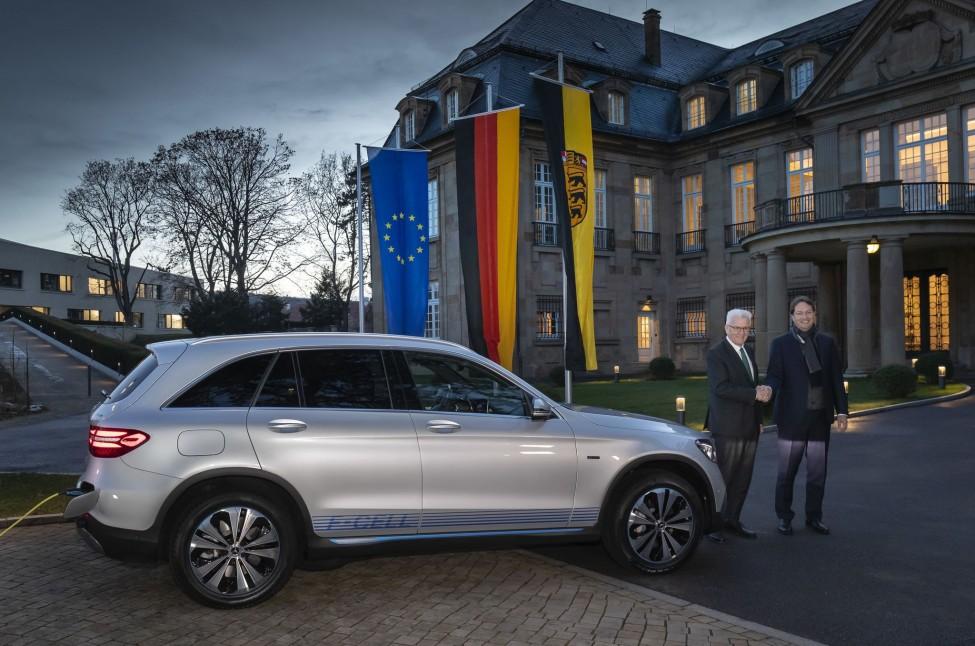 GLC FCELL New Car for Prime Minister Kretschman 3